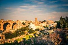 Fórum e coliseu em Roma Fotografia de Stock