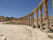Fórum (plaza oval) em Jerash, Jordânia Fotos de Stock Royalty Free