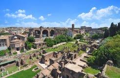 Fórum romano, como visto do monte de Palatine Imagens de Stock Royalty Free