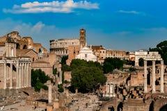 Fórum Romanum e Colosseum Fotografia de Stock Royalty Free