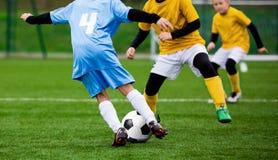 Fósforo de futebol do futebol para crianças Fotografia de Stock