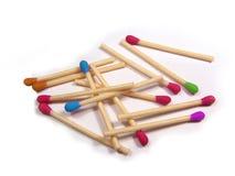 Fósforos coloridos isolados Imagens de Stock