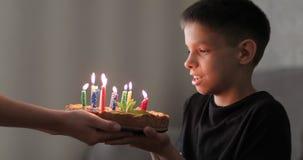 Födelsedag av den lilla pojken lager videofilmer