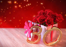 Födelsedagbegrepp med röda rosor i gåvan på träskrivbordet 30th 3d framför Arkivfoto