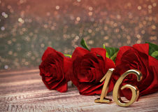 Födelsedagbegrepp med röda rosor på träskrivbordet sextonde 16th 3d framför Royaltyfri Foto