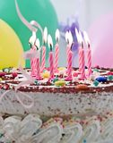 födelsedagcake Arkivfoto