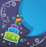 Födelsedagcake, stearinljus och anförandebubblor Royaltyfri Bild