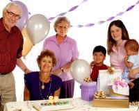 födelsedagdeltagarepensionär royaltyfri foto