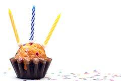 födelsedagen undersöker muffin tre Arkivfoto