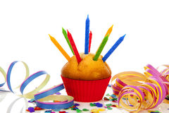 Födelsedagmuffin med stearinljuset Arkivbilder