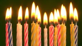 Födelsedagstearinljus stock video