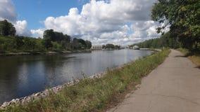 Följ den uppåtriktade floden Royaltyfria Bilder