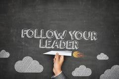 Följ ditt ledarebegrepp Arkivbilder