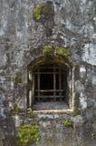 Fönster av de gamla byggnaderna Royaltyfria Bilder