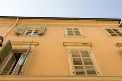 Fönster av det gamla huset #2 Fotografering för Bildbyråer