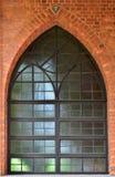 Fönster av kyrkan Arkivbilder