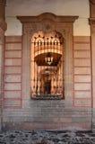 Fönster av slotträttvisa av Morelia Fotografering för Bildbyråer