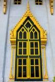 Fönster av sothorntemplet i Chachoengsao Thailand Royaltyfria Foton