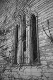 Fönster för gotisk båge Arkivfoto