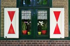 fönster för landshus Royaltyfria Bilder