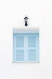 Fönster för Skyblue på white Royaltyfria Bilder