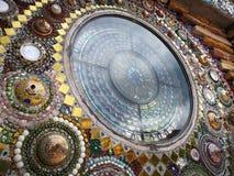 Fönster från den keramiska bunken royaltyfri foto