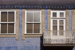 Fönster Guimaraes Portugal Arkivfoto