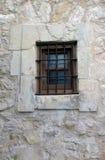 Fönster i en vägg på Alamoen Arkivfoto