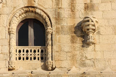 Fönster i Manueline stil. Belem torn. Lissabon. Portugal Arkivbilder