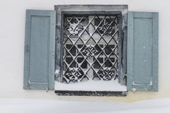 Fönster i snö Parpan Arkivfoto