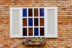 Fönster i stad Arkivbilder