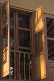 Fönster med den öppna slutaren Royaltyfri Foto