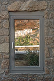 Fönster med en beskåda Royaltyfri Foto