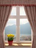 Fönster med en härlig sikt Fotografering för Bildbyråer