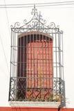 Fönster med stänger på Suchitoto arkivbild