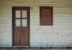 Fönster och dörr Royaltyfria Bilder