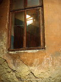 Fönster och en trappuppgång Arkivbilder