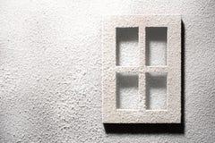 Fönster och vägg i frost royaltyfri bild