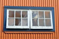 Fönster på industribyggnad Royaltyfri Fotografi