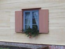 Fönster som dekoreras för det nya året royaltyfri foto