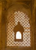 Fönster/Zarukha i Jaisalmer ökenfort Arkivfoto