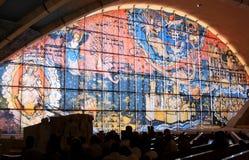 Fönsterbild i fältprästen Pio Pilgrimage Church, Italien Royaltyfri Bild