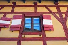 Fönsterdetalj av de traditionella husen i den Nuremberg Nurnberg Tyskland, Europa royaltyfri bild