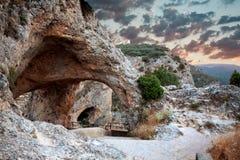 Fönsterjäkel. Ventano del Diablo. Villalba de la Toppig bergskedja, Cuenca, Royaltyfri Foto