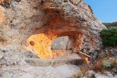 Fönsterjäkel. Ventano del Diablo. Villalba de la Toppig bergskedja, Cuenca, Arkivfoto