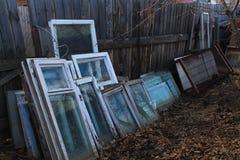 Fönsterramar arkivfoto
