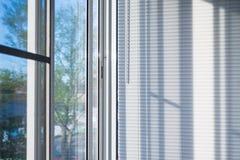 Fönsterrullgardiner Fotografering för Bildbyråer