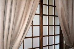 Fönsterrullgardiner Arkivfoton