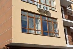 Fönsterrutorloggia arkivfoto