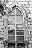 Fönstersärdrag av en byggnad i den historiska mitten av Rab, Croa Royaltyfria Bilder